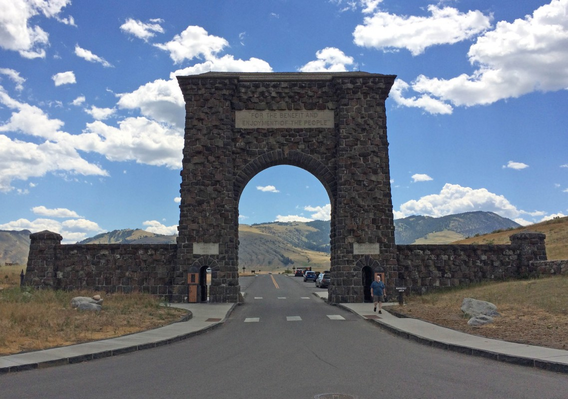 IMG_3884_b-Gardiner-Yellowstone-North-Gate