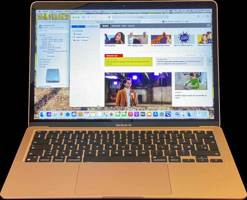 En guldfarvet 13-tommer Macbook Air fra 2020 med M1-mikroprocessor og 256 GB SSD.