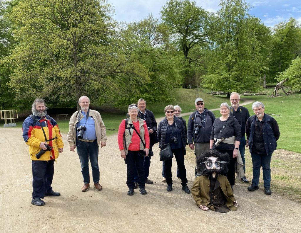 Gruppebillede med klubmedlemmer fra fototuren i Dyrehaven 2021. Hvordan er det med offentliggørelse af fotos med genkendelige personer?