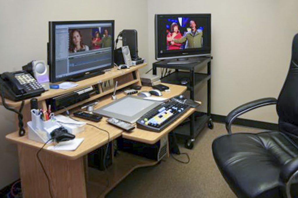 Der skal også en god skærm til ved videoredigering - måske en ekstra.